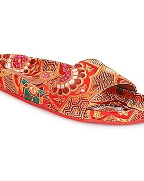 Červené sandále André