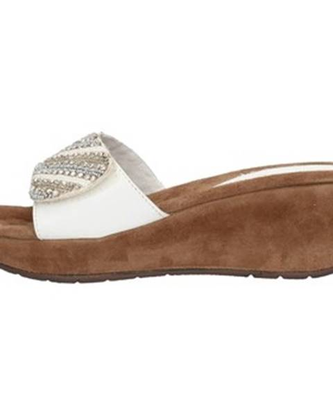 Biele sandále Clia Walk