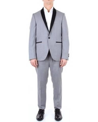Oblek Carracci