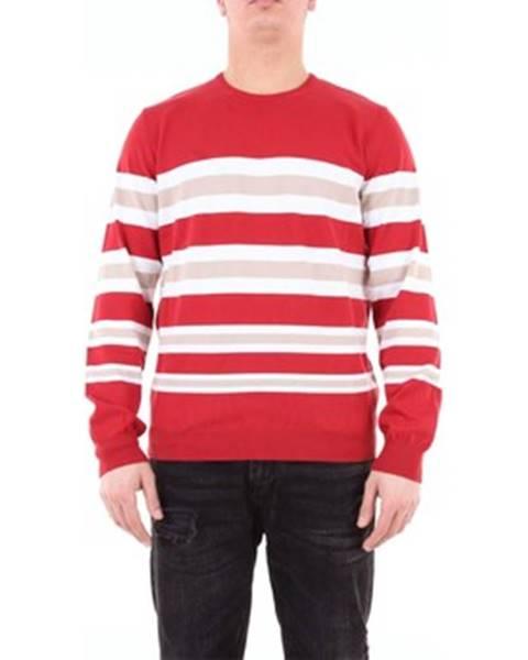 Červený sveter Heritage