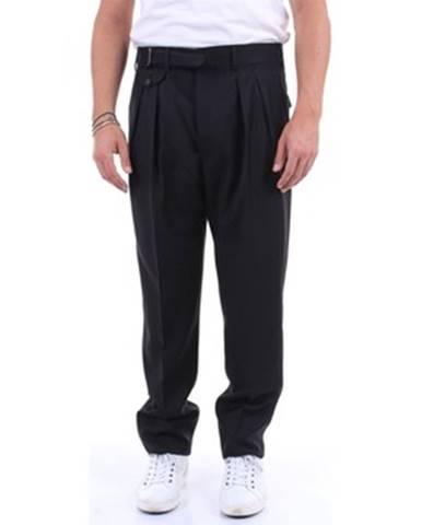 Čierny oblek Lardini