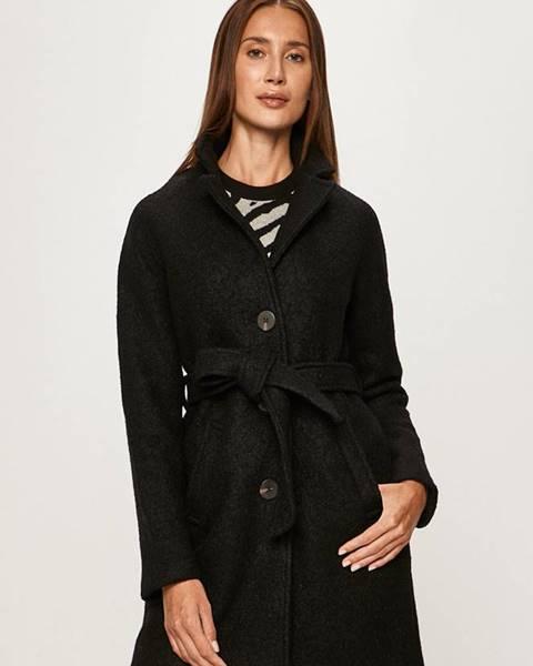 Čierny kabát Vila