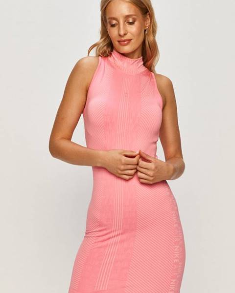 Ružové šaty Nike Sportswear